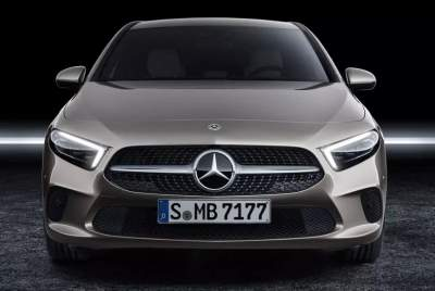 Mercedes-Benz анонсировала модель с 400