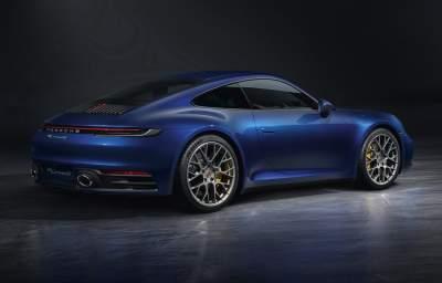 Porsche показал обновленную модель 911