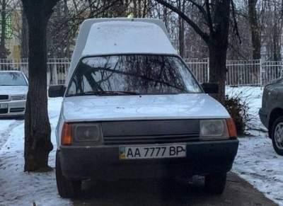 По Киеву ездят одинаковые