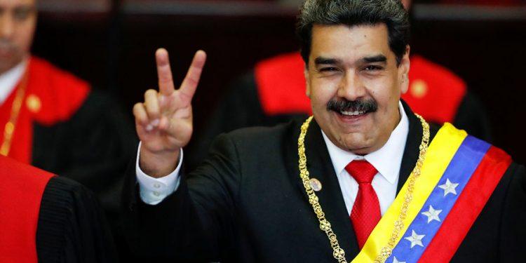 Аккаунты Мадуро в Facebook и Instagram лишились галочки подлинности